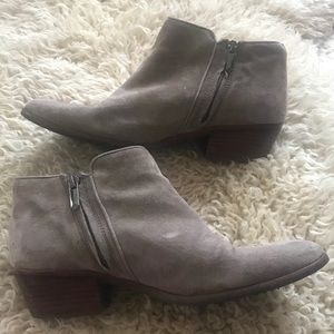 🐳Sam Edelman Suede Booties